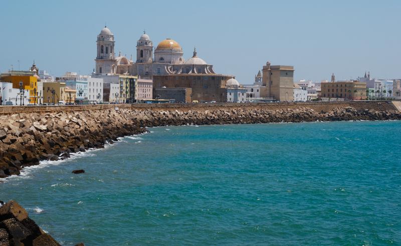 Bildet viser Katedralen i Cadiz