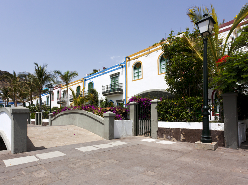 Flotte byggverk i Puerto de Mogan