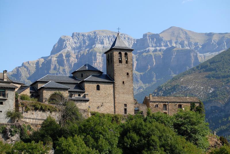 Landsbyen Torla i Pyreneene
